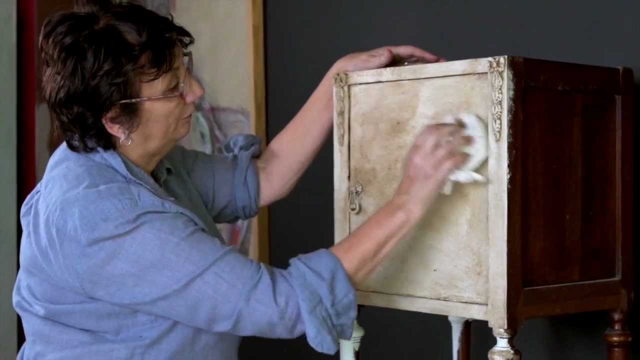 Tutorial Pittura Shabby Chic : Annie sloan chalk paint tutorial no one colour distressing