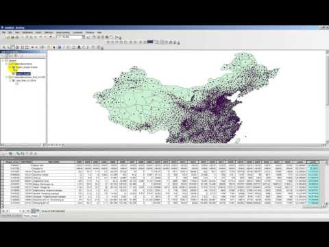 How to calculate and display centroids of polygons in ArcGIS 10