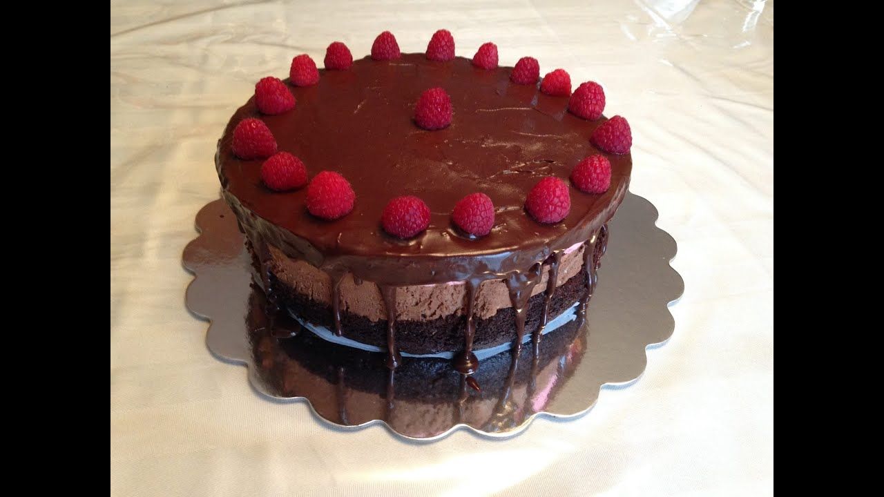 Chocolate Raspberry And Vanilla Mousse Cake كيكة موس