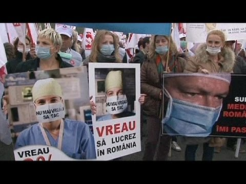Romania: Thousands of doctors and nurses march in Bucharest for better health service