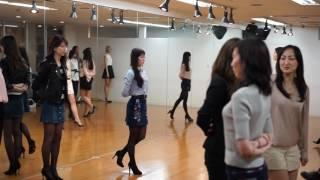 ERGMODELのウォーキンレッスン風景 大阪モデル事務所erg-Au □公式サイト...