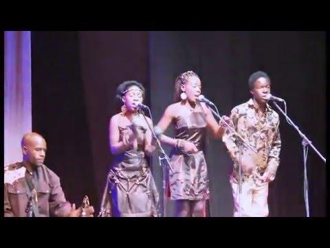 Oliver Mtukudzi ft Munya Mataruse-Tsika dzedu
