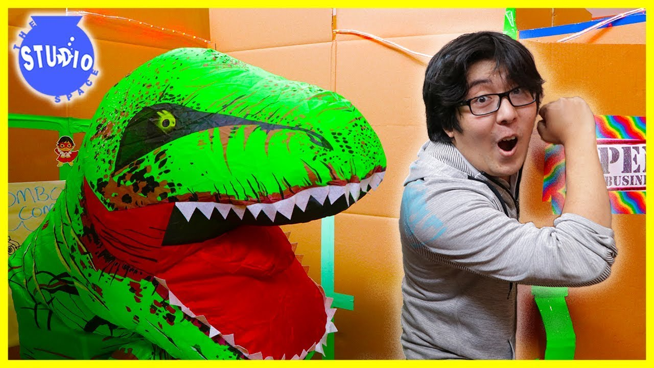 24-hour-challenge-in-giant-box-fort-mazes-zombies-giant-dinosaurs