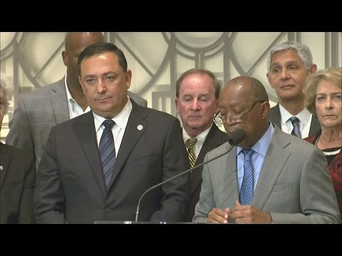 FULL: Art Acevedo announced as new Houston police chief