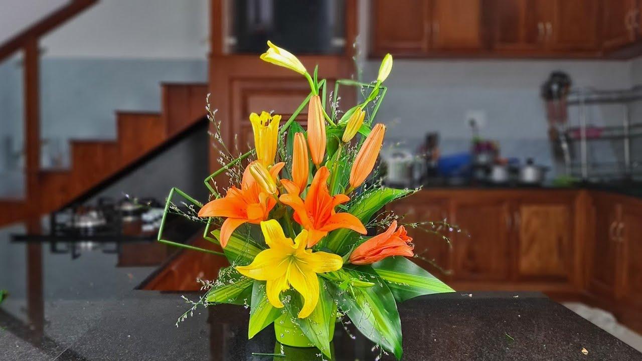 Cắm hoa bàn thờ - Cắm bình hoa ly kiểu tự do ❤