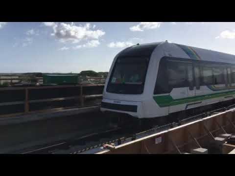Honolulu rail cars go on test run