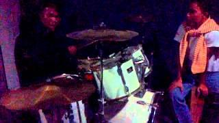 Video Drummer Maeroo Acoustic by Wan Zeen Bagan Ajam download MP3, 3GP, MP4, WEBM, AVI, FLV Juli 2018