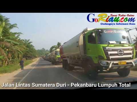 Jalan Lintas Sumatera Duri - Pekanbaru Lumpuh Selama 4 Jam Lebih