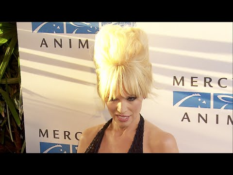 Pamela Anderson at the Mercy For Animals 15th Anniversary Gala