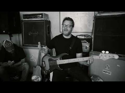 "RED FANG - Funny How-To with Aaron Beam (Bass Tutorial for ""I Am A Ghost"")"