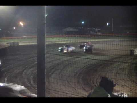 5.6.17 Farmer City Raceway---Street Stock heat Race