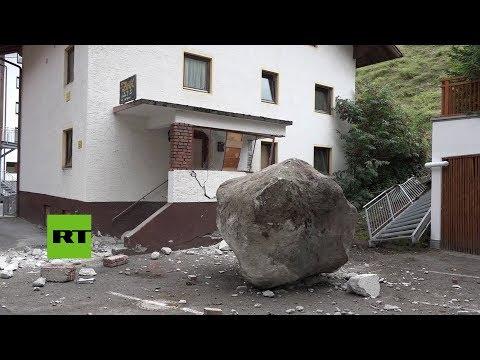 Austria: enorme roca de 20 toneladas choca contra una casa en Solden