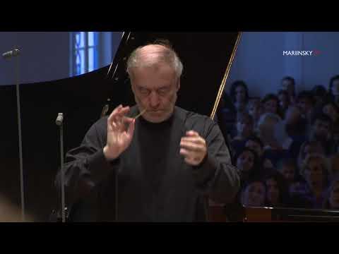 Lucas Debargue, Valery Gergiev. Mariinsky Orchestra. Prokofiev Piano Concerto no 2 in G Minor
