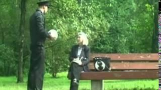 Атака клоунов  Футбол на клумбе