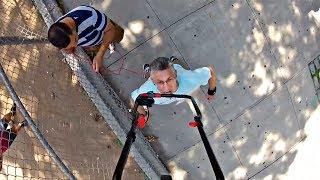 Очередное достижение человека-рекорда: 71 метр с газонокосилкой на подбородке (новости)