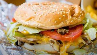 Mistakes Everyone Makes Wнen Ordering A Burger At Five Guys