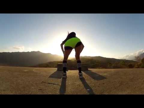 ✖ INSANE HOT A$$ ✖  Purple Queen - Twerking (HD)