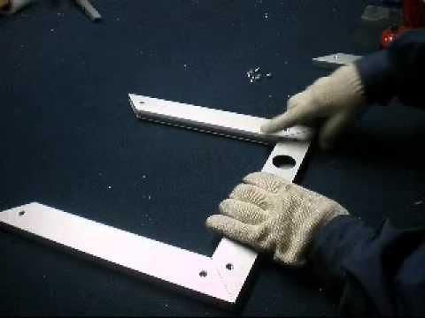 Mecanizado puertas de aluminio youtube for Puerta de aluminio