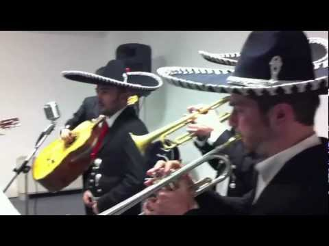Mariachi Live Music - Mexican Mariachi band play Traditional songs