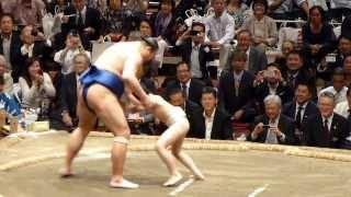高見盛、こども相撲に最後の気合注入!(平成25年10月6日、高見盛断髪式 Takamisakari retirement ceremony) thumbnail