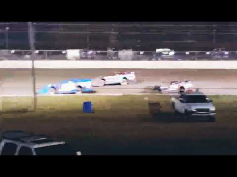 Crate Dirt late model at Volusia speedway park