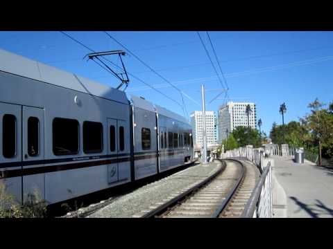 VTA Southbound Mt. View - Winchester LRV @ San Fernando Station