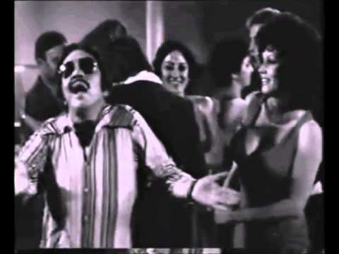 Junior Rodriguez --- Hechame agua cantinflas baila