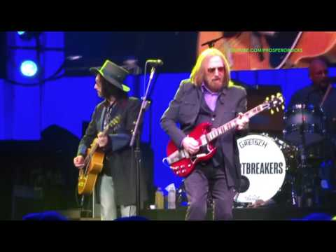 TOM PETTY & THE HEARTBREAKERS LIVE AT PRUDENTIAL CENTER NJ JUNE 2017