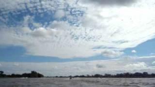 fiesta nacional del surubi 2011 : accidente  caida de pescador