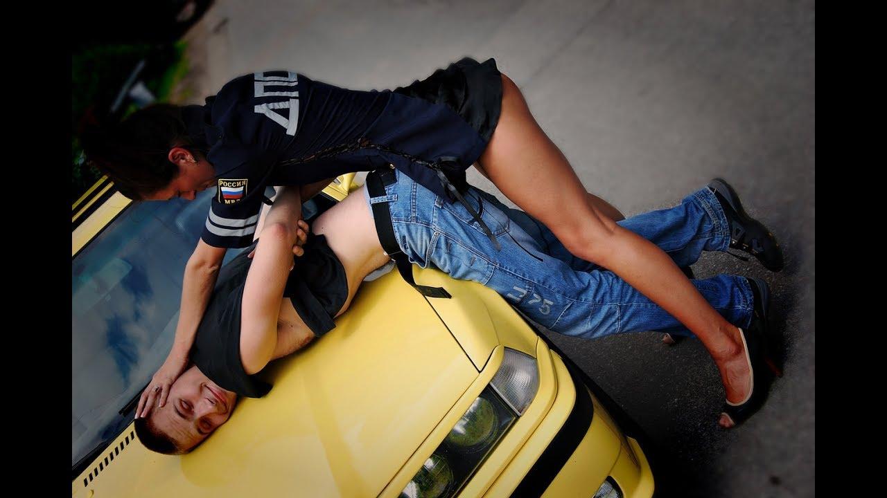 Сексуальная девушка коп, Девушка коп - видео Yo-Sex 12 фотография