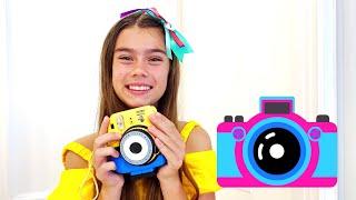Nastya juega con fotos mágicas, historias divertidas de juguetes mágicos