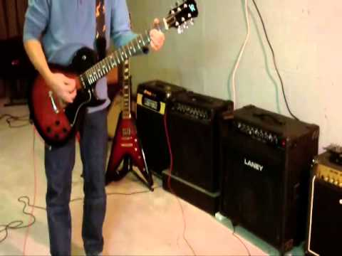 Amp & Guitar Shootout - Gibson Flying V, SX Callisto Jr - Marshall, Laney