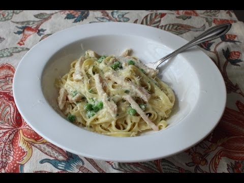 smoked-turkey-&-spring-pea-fettuccine---creamy-turkey-pasta-recipe