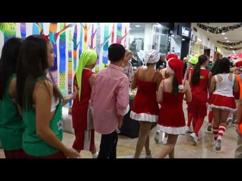 Fairfield Forum Shopping Centre's Santa Parade