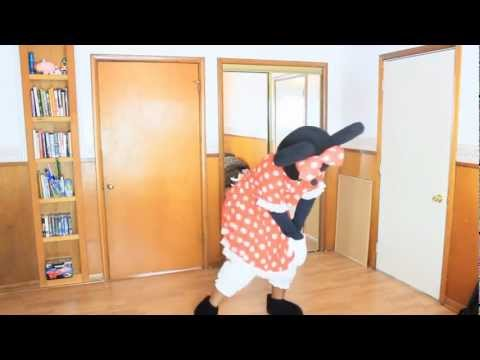 Minnie Mouse TWERKS! BANDS MAKE HER DANCE