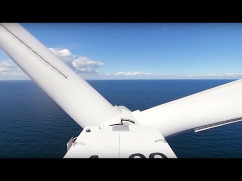 See the view from the top of an offshore wind turbinein 360°? With intro to virtual reality glasses