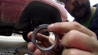 How to rebuild the front hub bearing in a  Dana 44