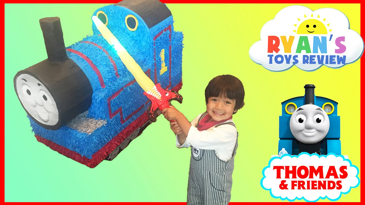 5952ad7c8aab GIANT THOMAS AND FRIENDS Pinatas Surprise Toys Challenge