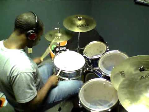 Chris Brown - Yeah 3x @KennethBensonJr