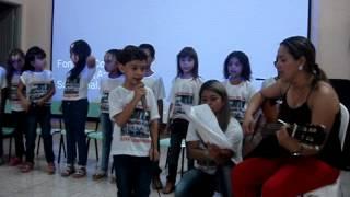 Gustavo apresentação escolar Água Comprida 2013