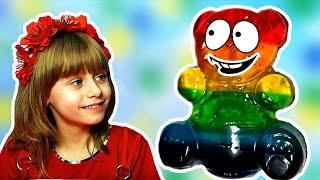 Разноцветный Желейный Медведь  Видео для Детей ЖЕЛЕЙНЫЙ Медведь ВАЛЕРА против Обнимашки с Машей