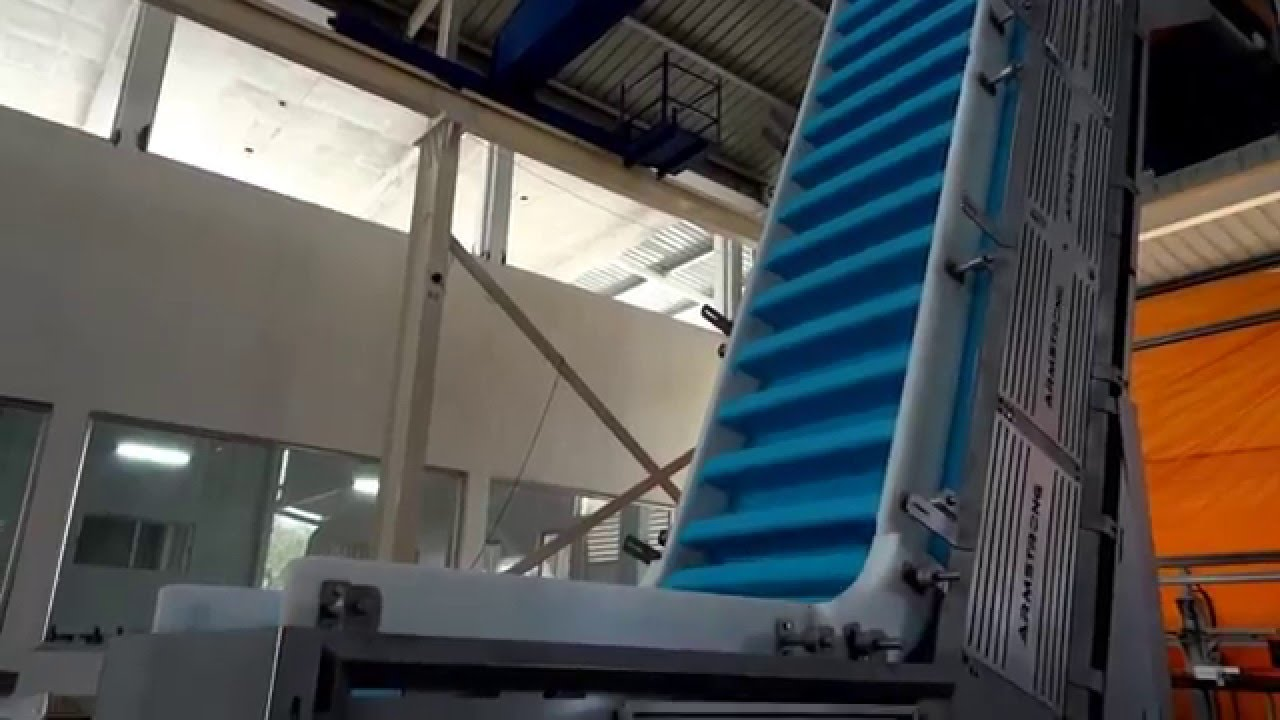 Inclined Conveyor Using Intralox U0026 39 S Thermodrive Belt