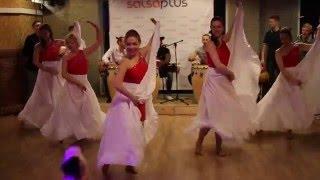 Афро-кубинское шоу в Сальса Плюс | D'Caribeñas(7 мая на вечеринке в стенах студии Сальса Плюс состоялась премьера нового афро-кубинского шоу Надежды Мещер..., 2016-05-09T19:51:47.000Z)