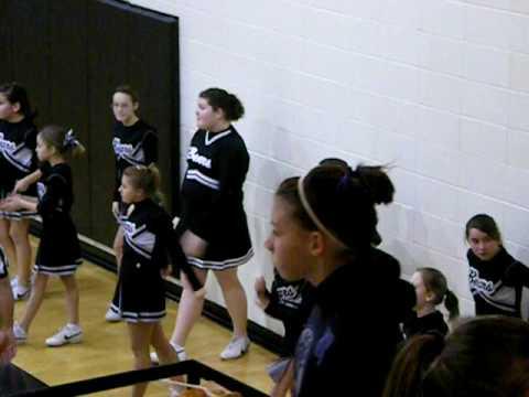 Wyandotte Middle School Cheerleaders :)