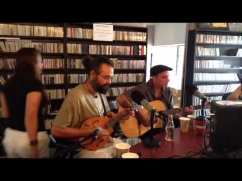 The Vine Brothers playing LIVE on Bonnie Grice's Sessions @ the Cafe!