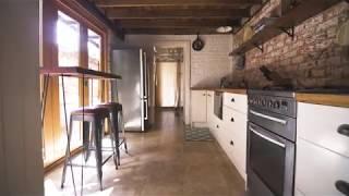 Gambar cover Airbnb in Cooks Hill, Newcastle NSW Australia