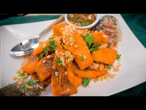 DON'T BAKE YOUR FISH! - Crispy Garlic Trout Recipe ปลาทอดกระเทียม