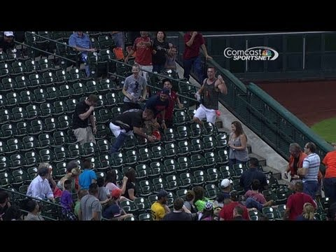 houston-astros-fan-gets-tangled-up-going-for-a-foul-ball
