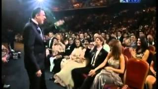 YouTube - Hrithik Roshan Singing at IIFA 2009 HQ_2.flv