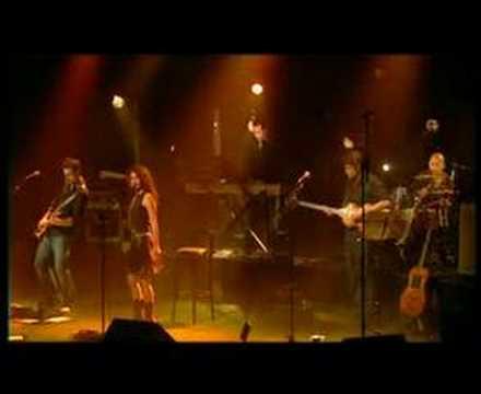 ELSA LUNGHINI - SOUS MA ROBE (Live à L'Européen)